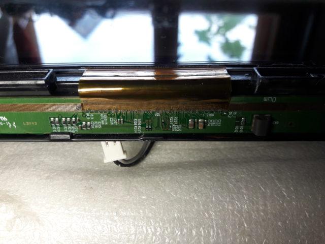 Восстановление шлейфов драйверов матрицы после попадания жидкости.